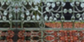 türkis-rostfarbenes Longshirt AKAELA mit künstlerischem Stoffdruck
