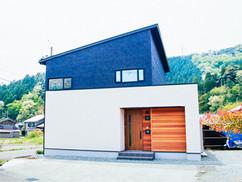 若狭町・小浜市にある自然素材の工務店[夢源建築]の施工事例 直線的な外観の家1