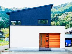 若狭町・小浜市にある自然素材の工務店[夢源建築]の施工事例 直線的な外観の家2