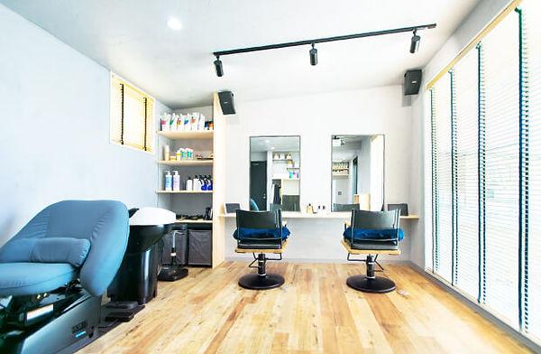 福井県小浜市の美容室E/m hairを工務店[夢源建築]が自然素材を使い注文住宅で建築