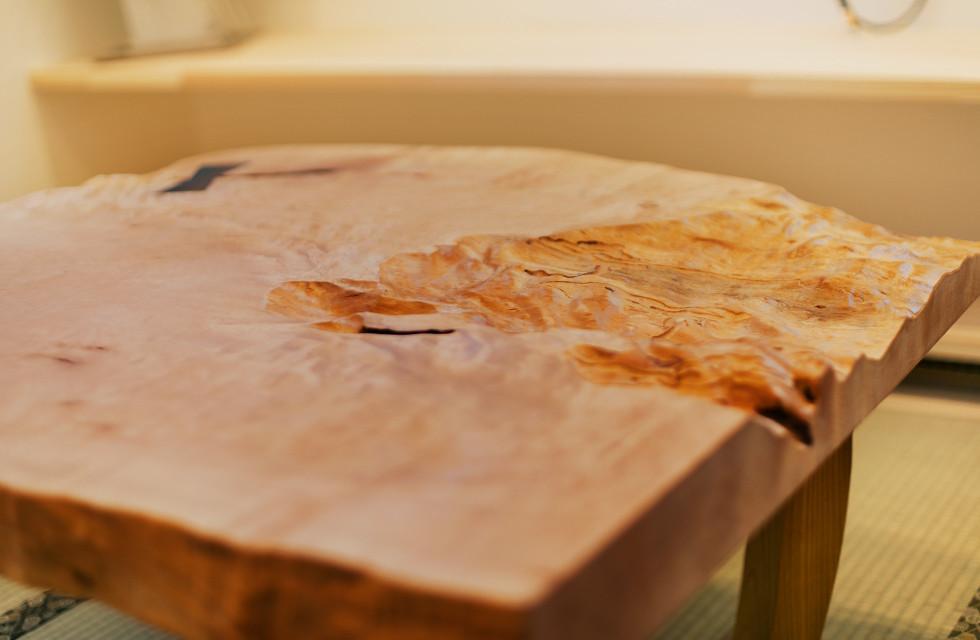 無垢材・漆喰・天然塗料を使った、自然派バリアフリーの家