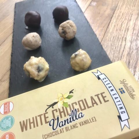 White Chocolate Oreo Truffles!!