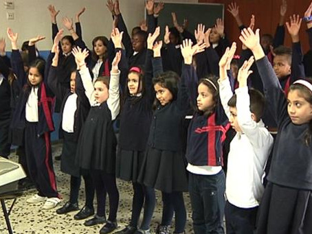 Eskolan Kantari - Musika Bulegoa Irratsaioan