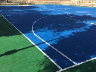 Campo Basket Via Rockefeller in ultimazione con piastre Geoplast multisport.