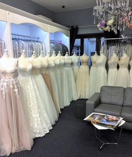 Serdecznie zapraszamy na przymiarki. Mamy dla Was wspaniałe modele sukni ślubnych.