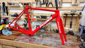 Pugna, les vélos rouges qui vont vite