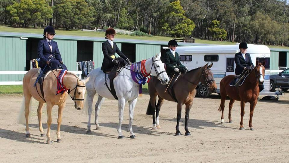 Pakenham Ag Show side saddle competitors.