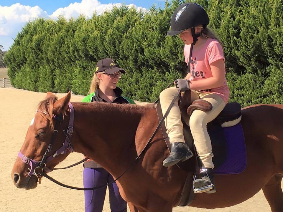 Stacey teaching at Boolarra Pony Club.
