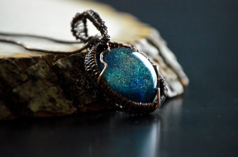 Wire Wrapped Resin