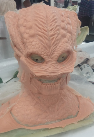 Silicone cast with mandibles cast separately