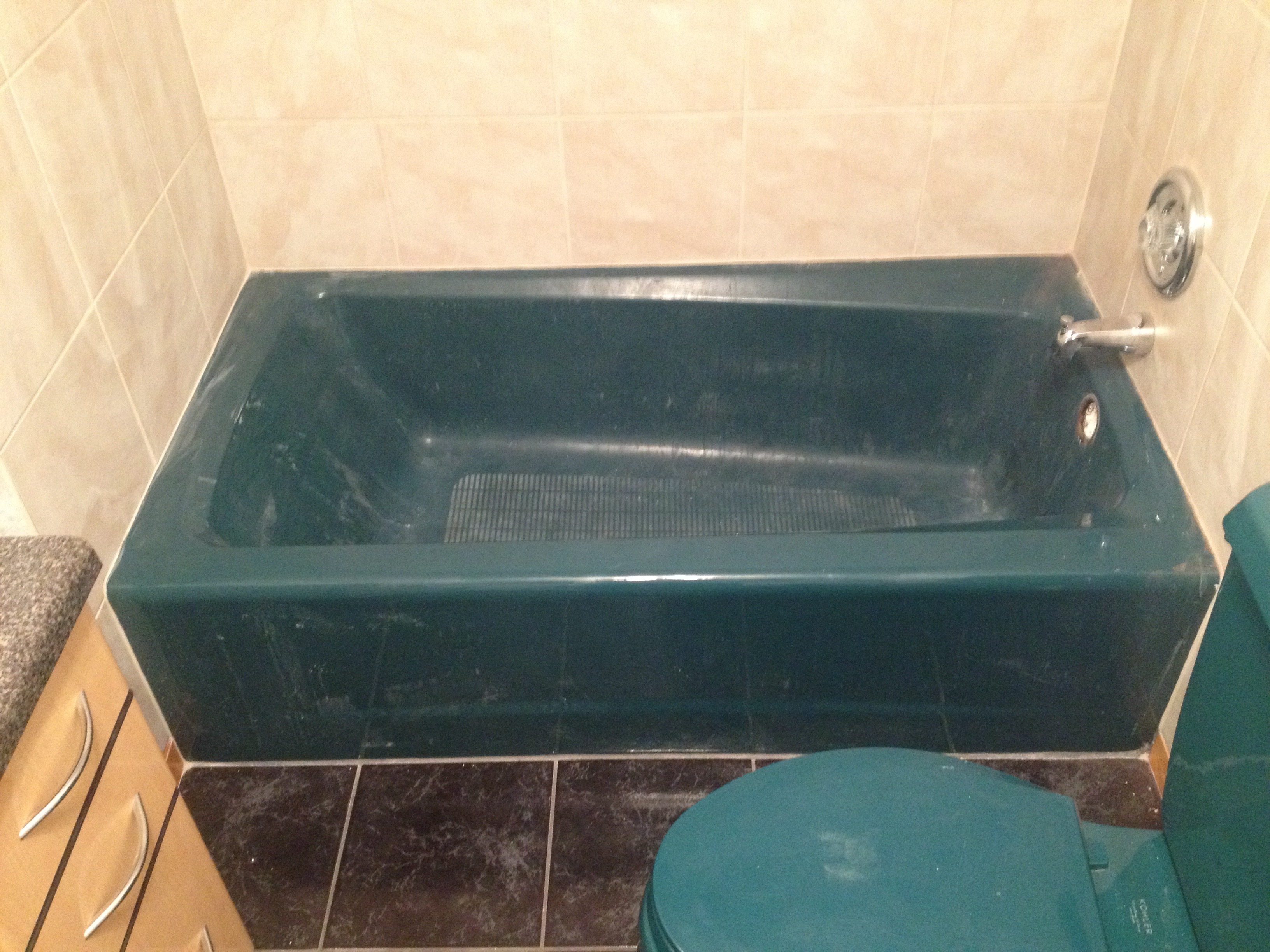 Cast iron tub in green