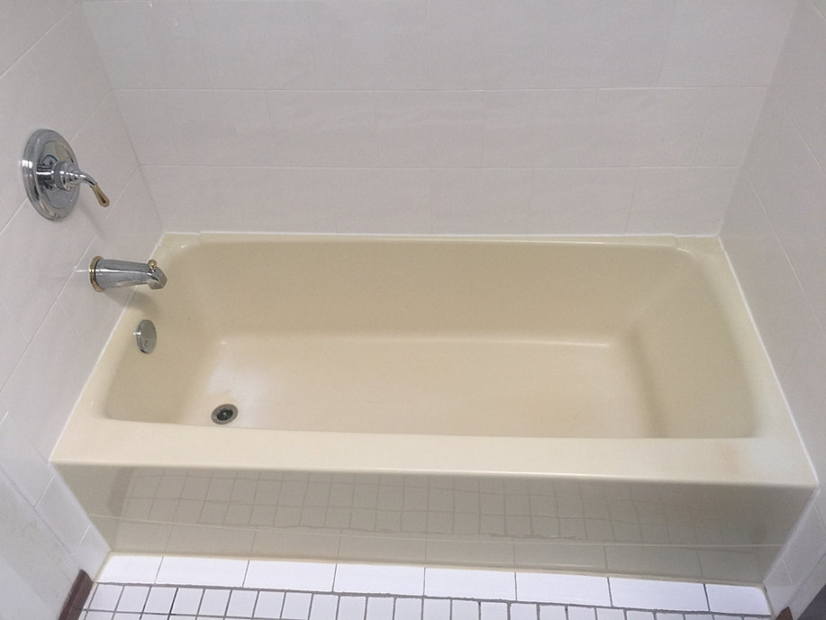 Acrylic tub repair garden bathtub in bathroom with pale for Acrylic vs porcelain tub