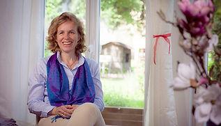 Monika Baumann, Brainspotting Therapeutin und Erfinderin der Therapiestofftiere Varipets.