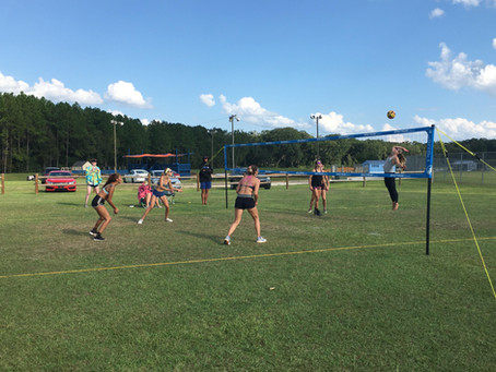5 Reasons to try grass volleyball