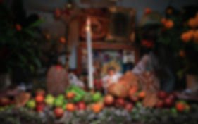 Immerse yourself in the colorful traditions and customs of Oaxacan villages during Day of the Dead – Día de los Muertos – celebrations. Through the hospitality of En Vía borrowers and their families you will witness incredible altars created in family homes, partake in the traditional food and drink of the day, and learn about the customs and rituals that bring this holiday to life. Each Day of the Dead tour features customs unique to that day of the festival such as sitting vigil in the cemetery or accompanying a family member as they visit the altars of relatives and friends around town.