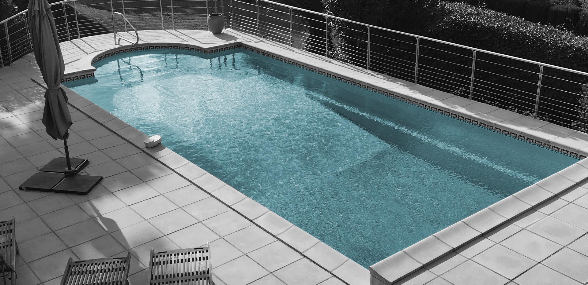 Rambarde de piscine en aluminium