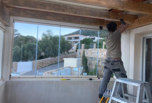 Installation d'un mur de verre