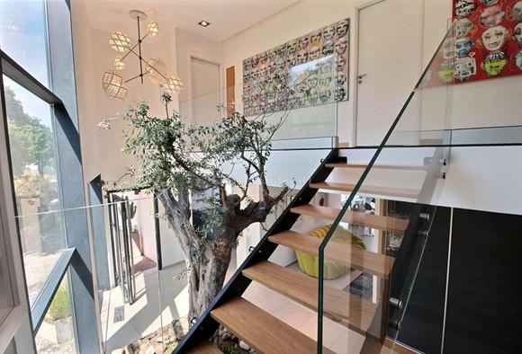 Rambarde d'escaliers en verre