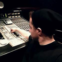 Casper in Studio board.jpg 2014-8-27-19:51:42