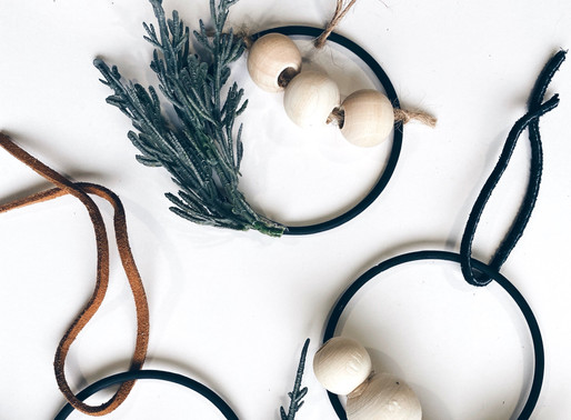 DIY MINI MODERN HOLIDAY WREATHS