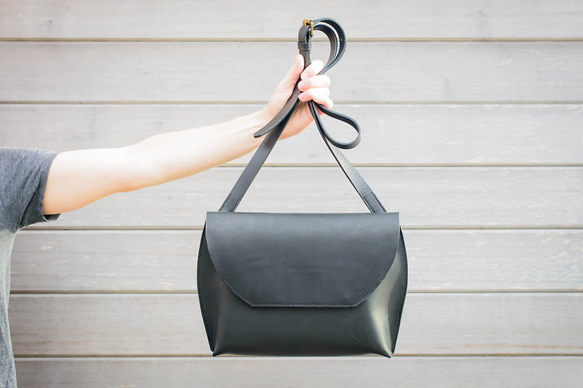 Black Clavering Bag