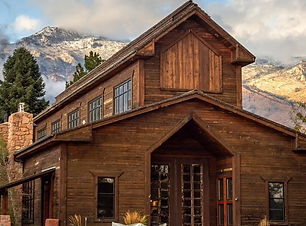 knot-and-pine-alpine-barn-rustic-venue-u