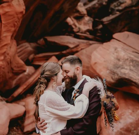 bride and groom utah.jpg