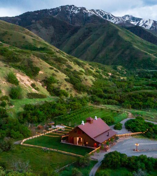 quiet-meadow-farm-barn-wedding-street-ut