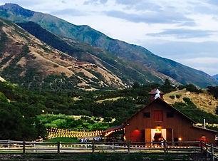 quite-meadow-farms-utah-barn-wedding-str