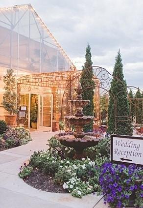 Le-Jardin-utah- wedding-street-shopping-
