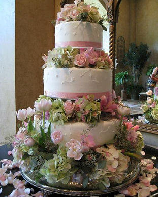 heritage-cakes-utah-wedding-street-shopp