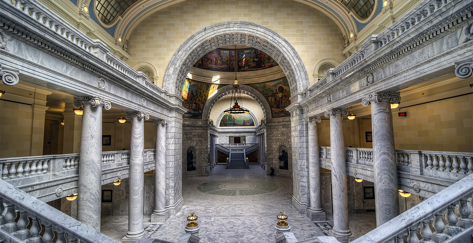 Utah State Capitol Rotunda | Wedding Street All Inclusive Package| Wedding Venue
