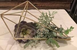 various shaped centerpieces in metal