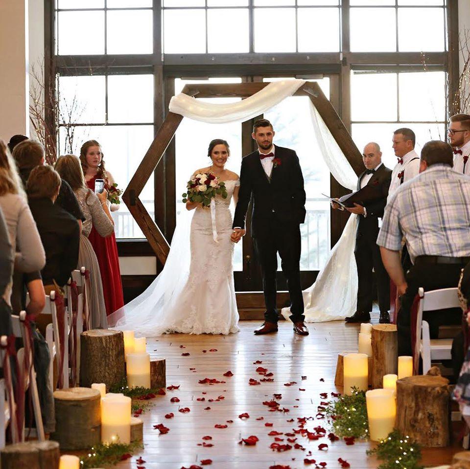 traverse-mountain-lodge-wedding-street-u