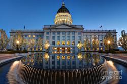 utah-state-capitol-in-reflecting-fountai