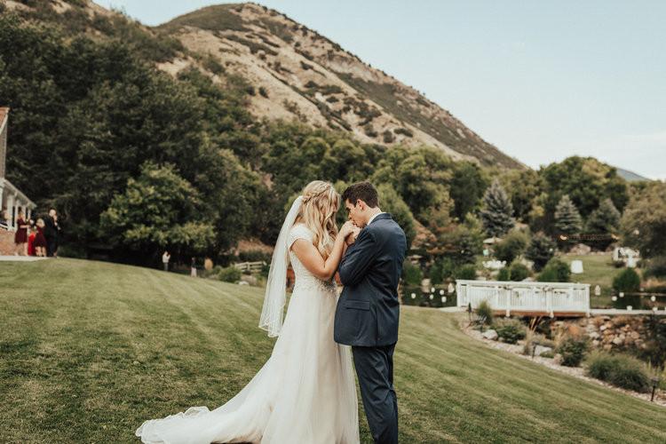 conrad-ranch-provo-canyon-wedding-street