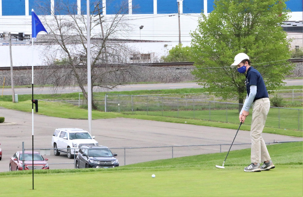 Varsity Golf.JPG