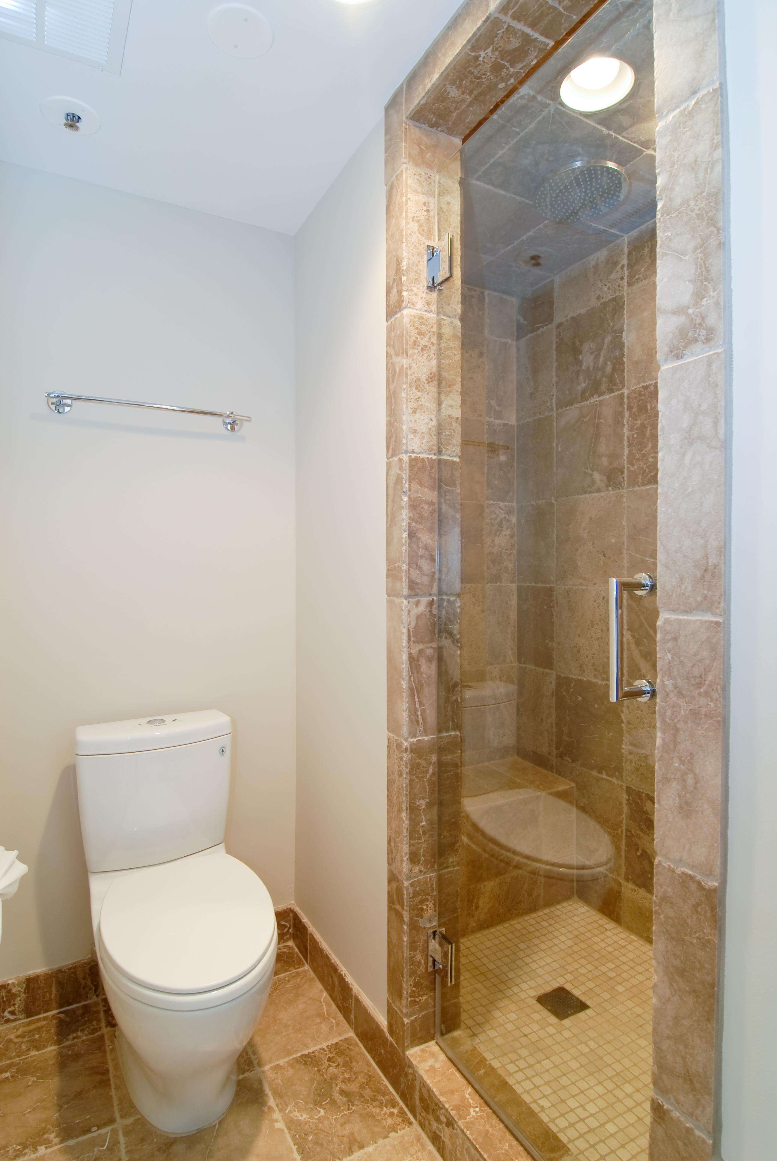 Master_Bathroom2.jpg