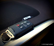 Remote_Entry_Keyfob_-_2013_Volvo_XC60_(8381066438).jpg