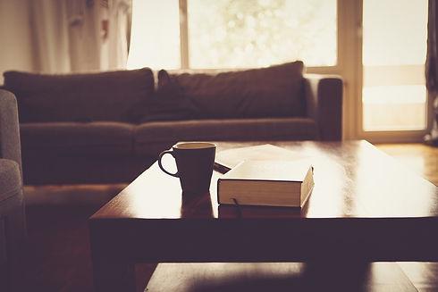 living-room-690174_960_720 (1).jpg
