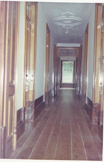 Corredor do dormitório das celas