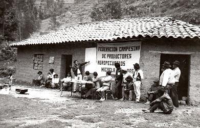 CAPACITACION_EN_LOS_AÑOS_80.jpg