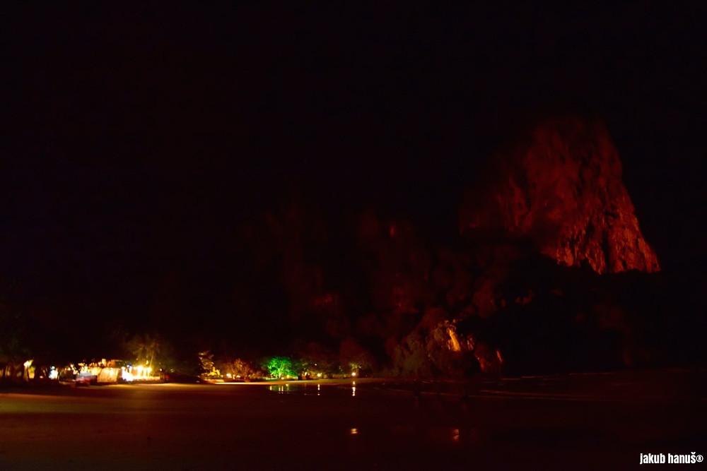 Noční pohled na Railay Beach