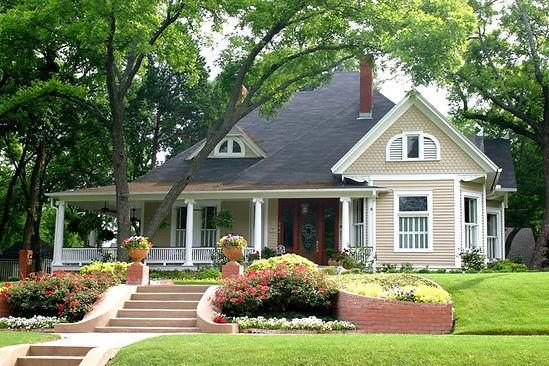 sloped-front-yard-front-yard-steps-lands