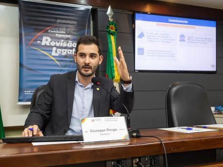 Deputado Giuseppe Riesgo apresenta números da Comissão de Revisão Legal