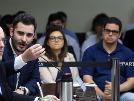 Deputado Riesgo reprova pagamento de honorários para PGE