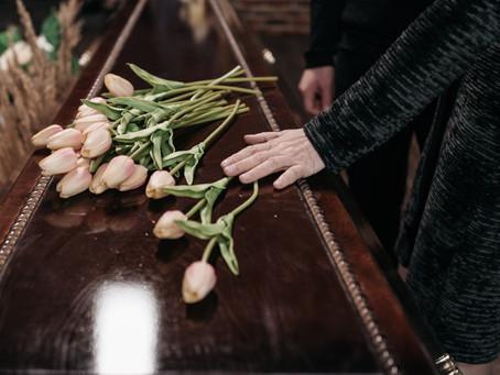 Funérailles en France : ce qui est obligatoire ou non