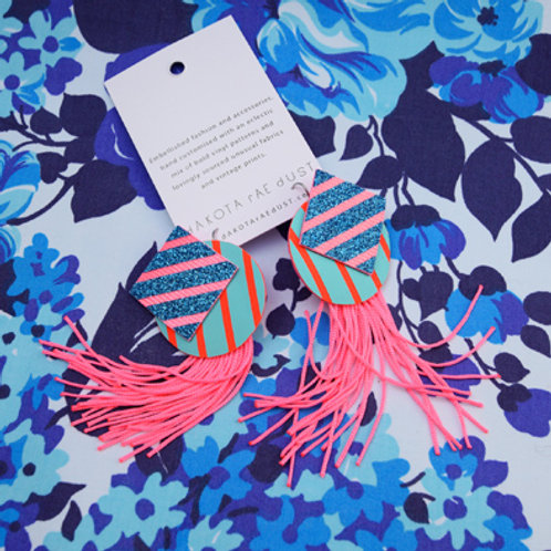 PLAYFUL EARRINGS WITH FLUORO PINK FRINGE