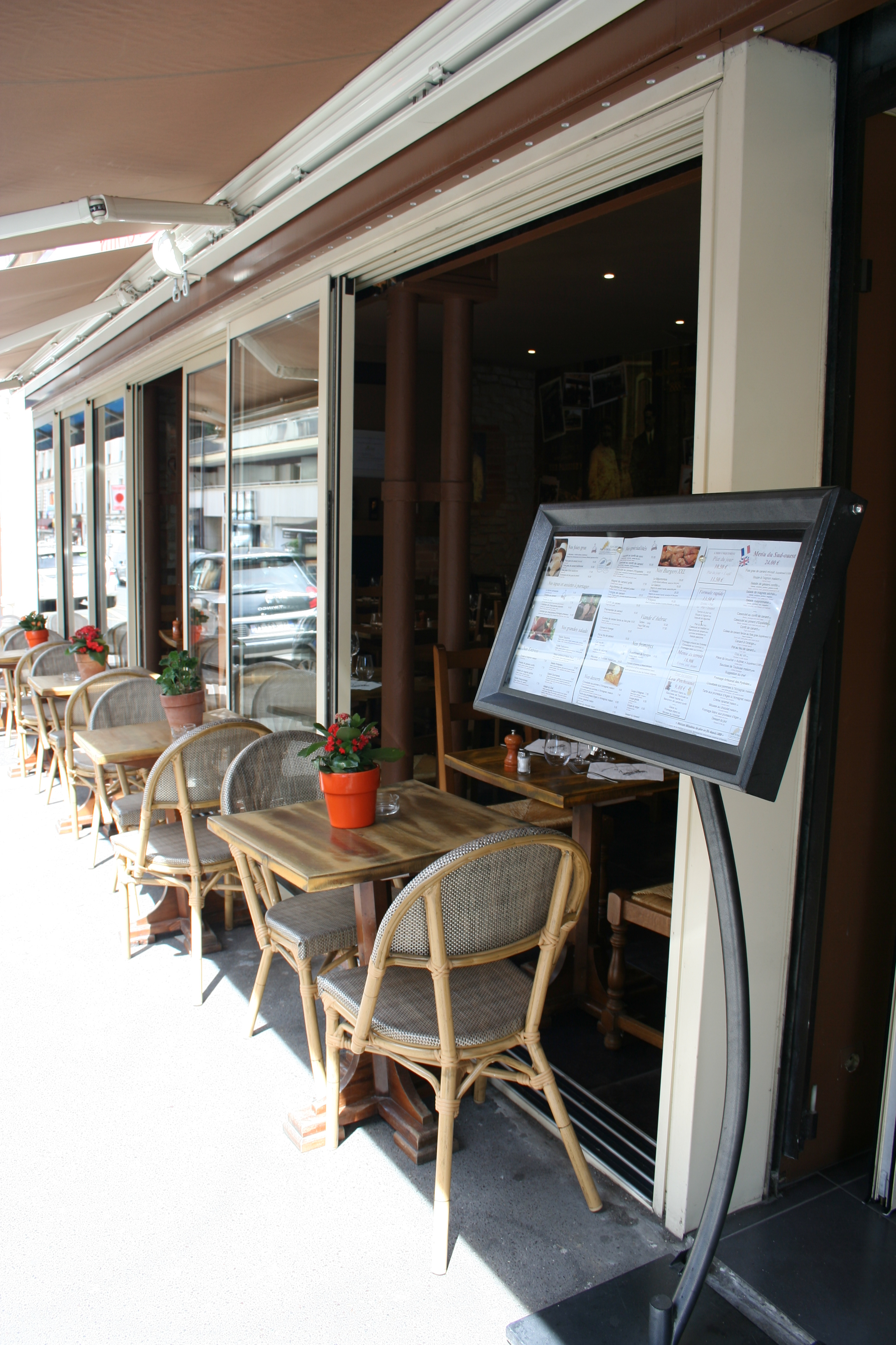Terrace of the Paris 14 restaurant