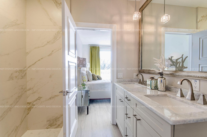 302 Master Bath.jpg